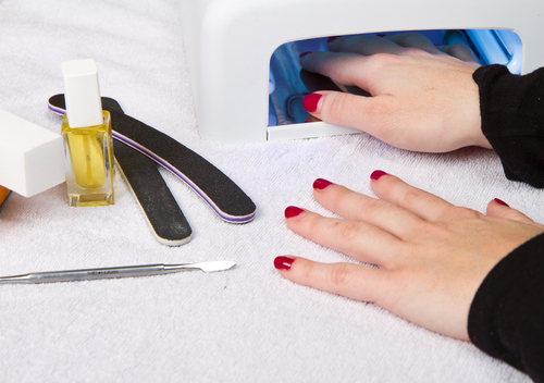 Uv Lamps At Nail Salons Linked To Skin Cancer High Levels Of Radiation May Damage Your Dna