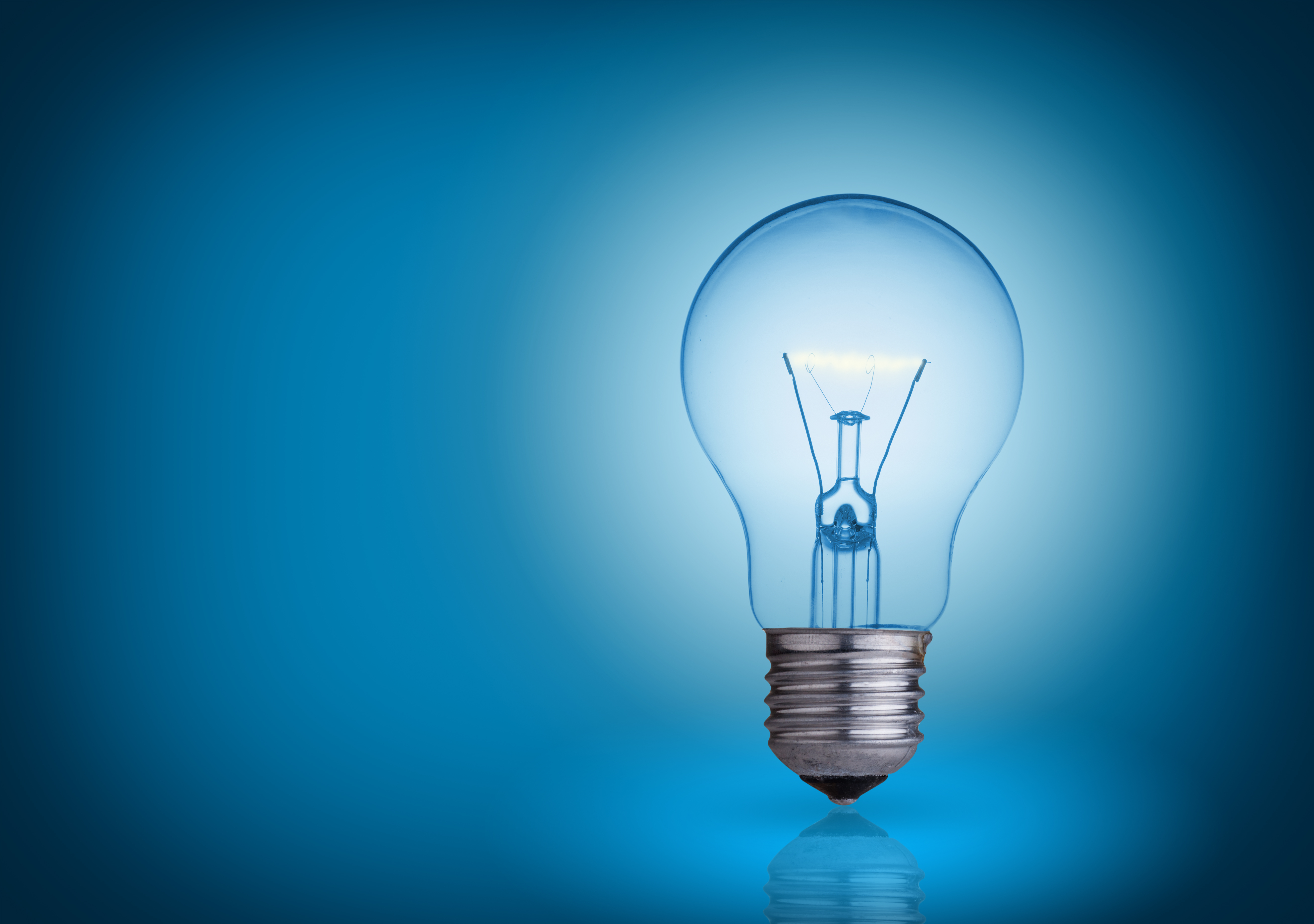 know lightbulbs different light incandescent fluorescent lighting blue bulbs the types