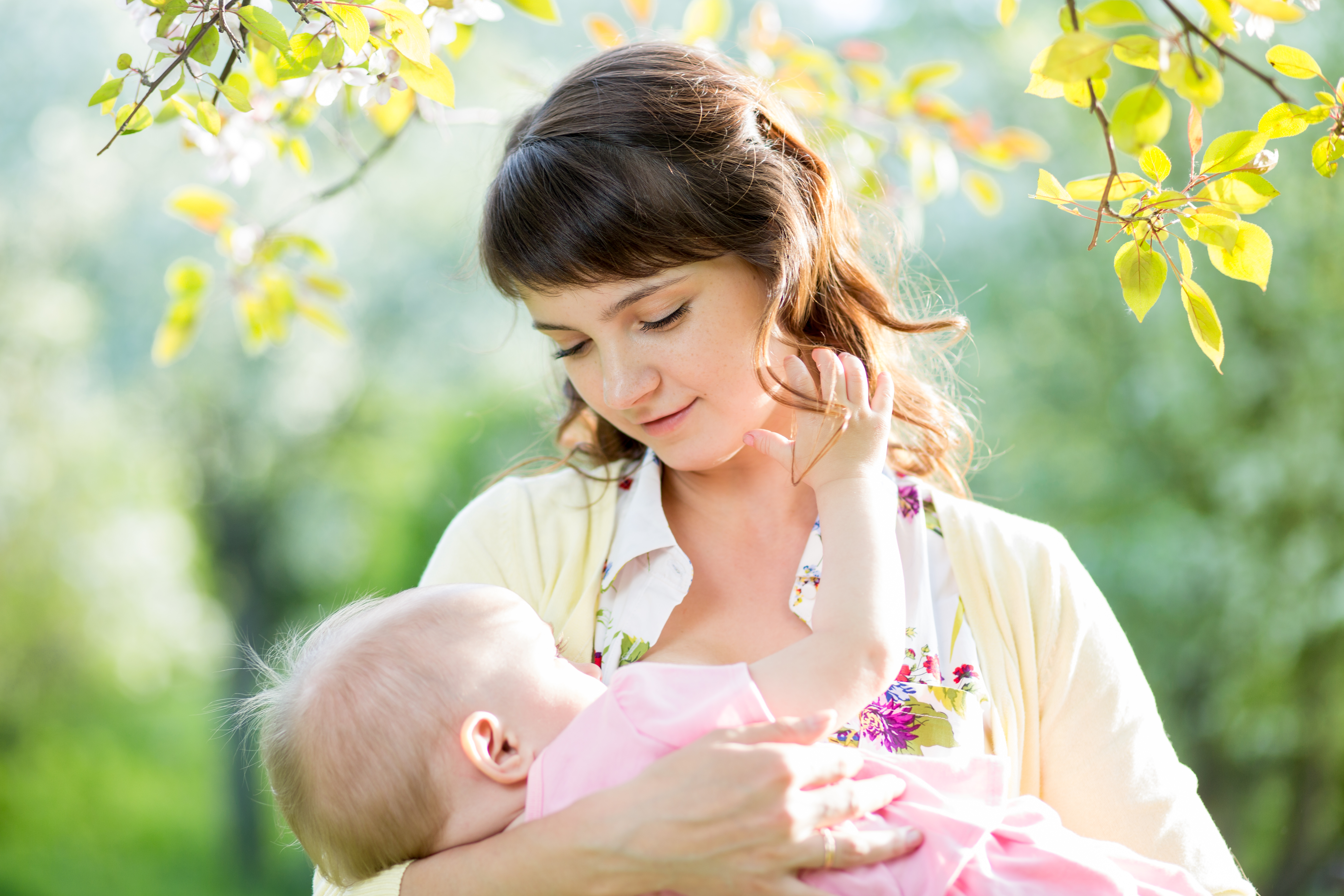 Breastfeeding Infant For More Than 6 Months Linked To ...