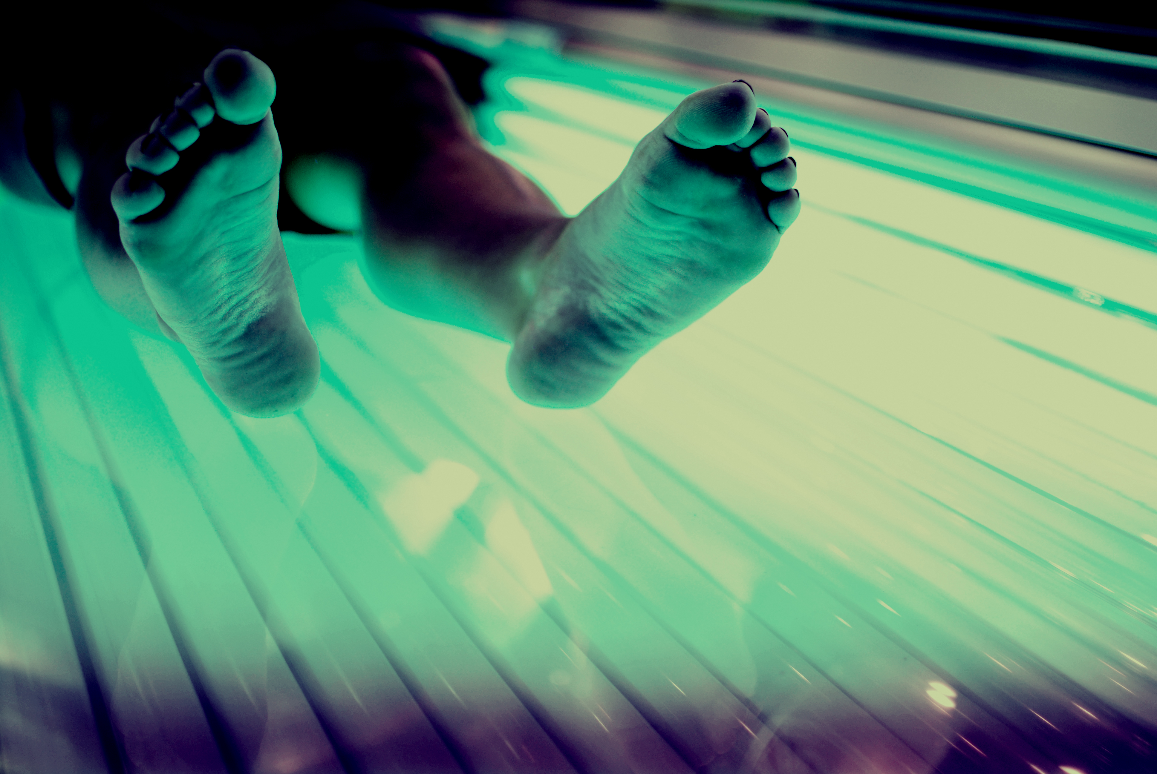 Despite skin cancer millions use tanning beds   EmaxHealth