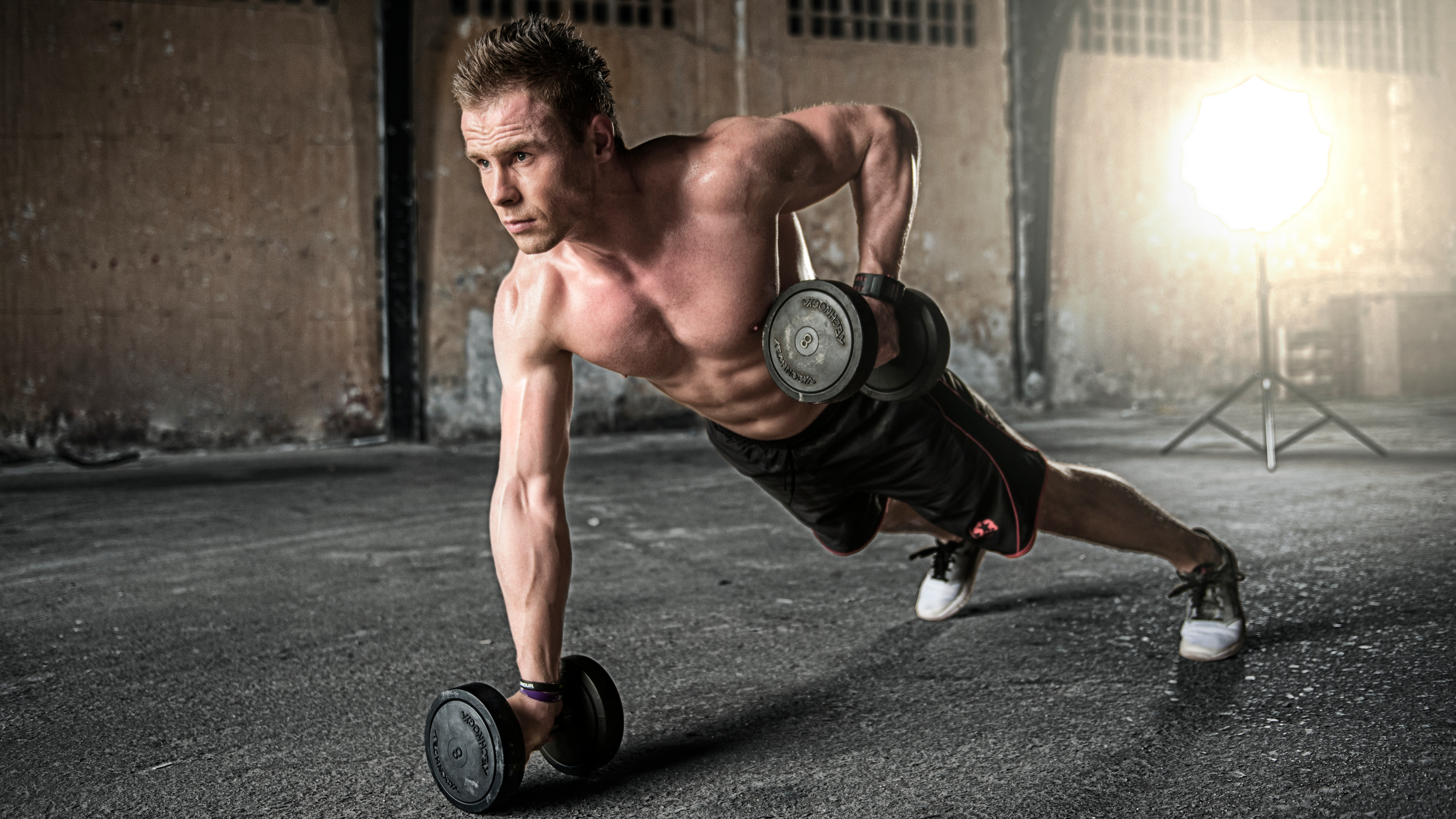working out at the gym may give you small muscles how body