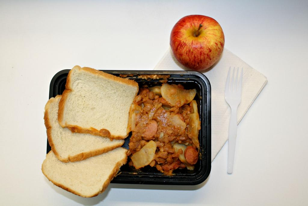 1-Week Prison Food Diet Reveals Problems With Inmate Meals