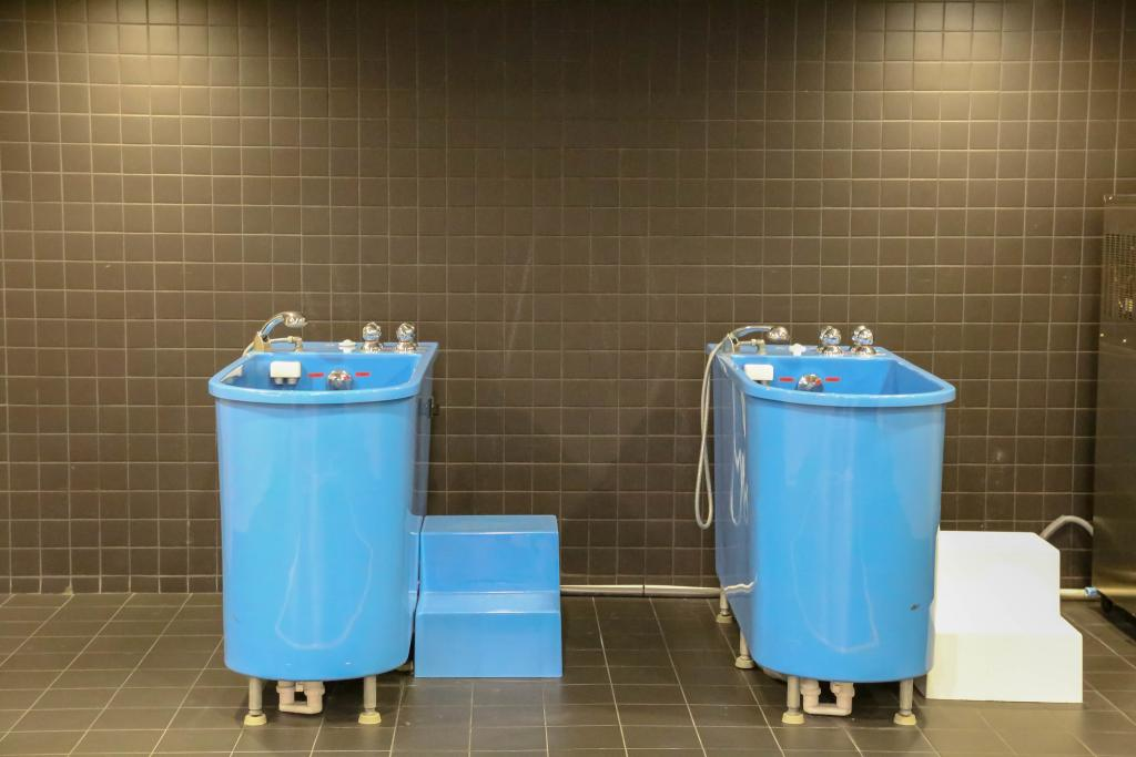 ice bath - Ice Baths Have No Benefits For Muscle Building, Study Claims