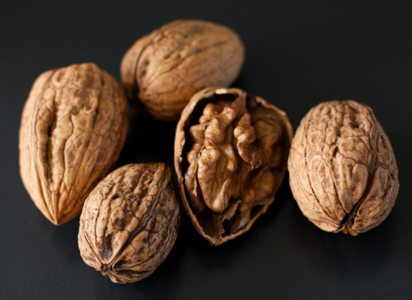 Seven Great Benefits of Walnut Oil