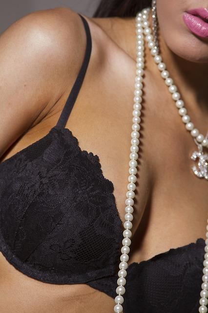 Bras Make Breasts 'Saggier,' French Doctor Says Women Better Of Not Wearing One