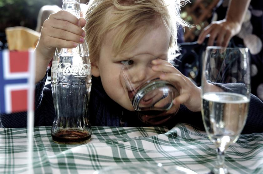 EU Report Recommends Standardizing Drinking Age Across Europe To 18