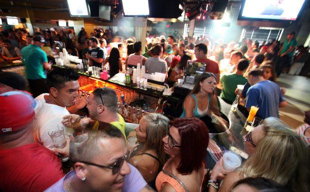 Busy Jersey Shore Bar Is Shut Down For A Mumps Outbreak