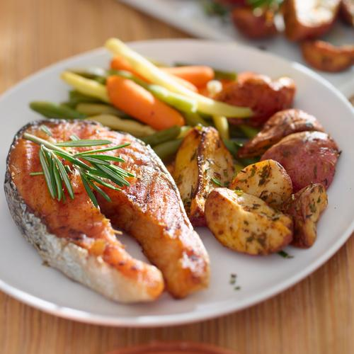 Salmon dinner with vegetables
