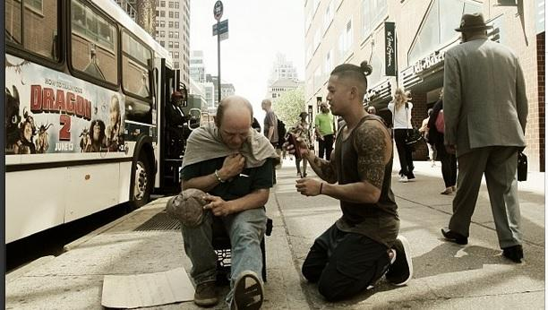 Every Sunday This Stylist Does Haircuts For The Homeless [PHOTOS]