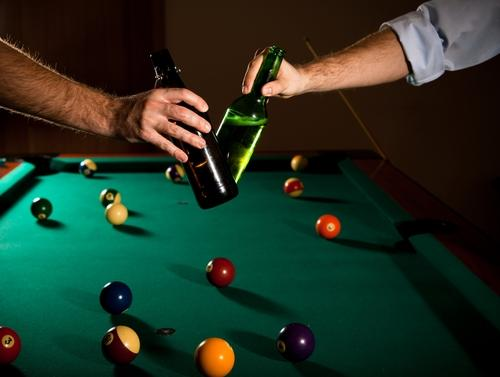 Healthy Aging A Pool Table And A Pint Of Beer Help Improve Quality - Pool table help
