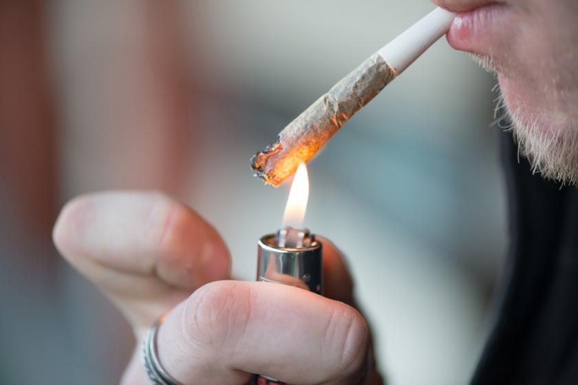 Smoking Pot Leads To Early Puberty, Stunted Growth In Teenage Boys