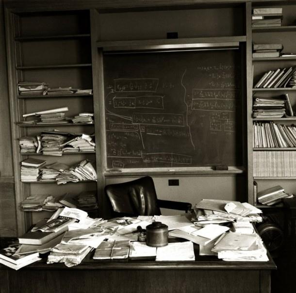 A Messy Desk May Spark Creativity But At A Price What Science Has