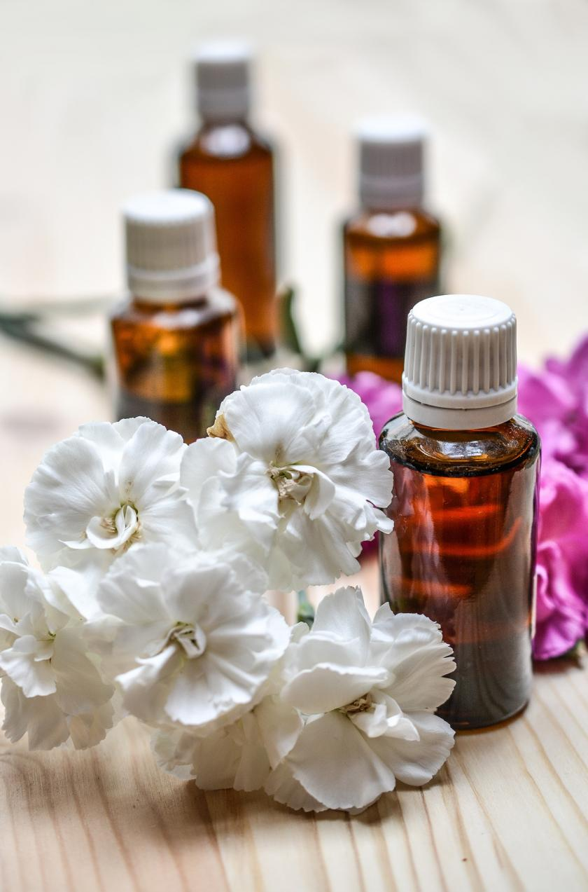 Essential Oils That Kill Bacteria: How To Use Lavender, Cinnamon