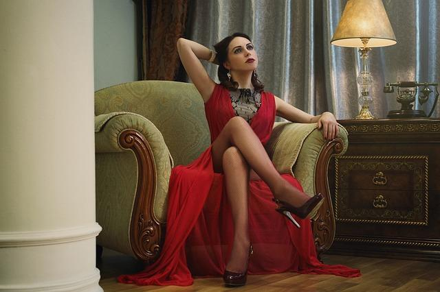 lady-in-red-