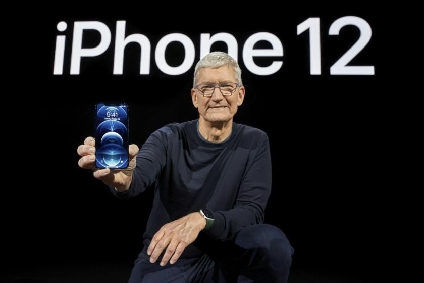 apple-has-seen-its-value-hover-near-2
