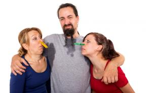 Man sweating and women do not want to smell