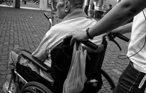 wheelchair-952183_640
