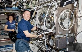 The Ring-Sheared Drop experiment aboard the ISS