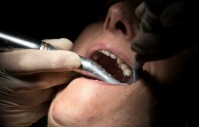 many-dentists-were-forced-to-close-in-britain