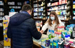 in-codognos-centre-the-pharmacy-remained-open-on